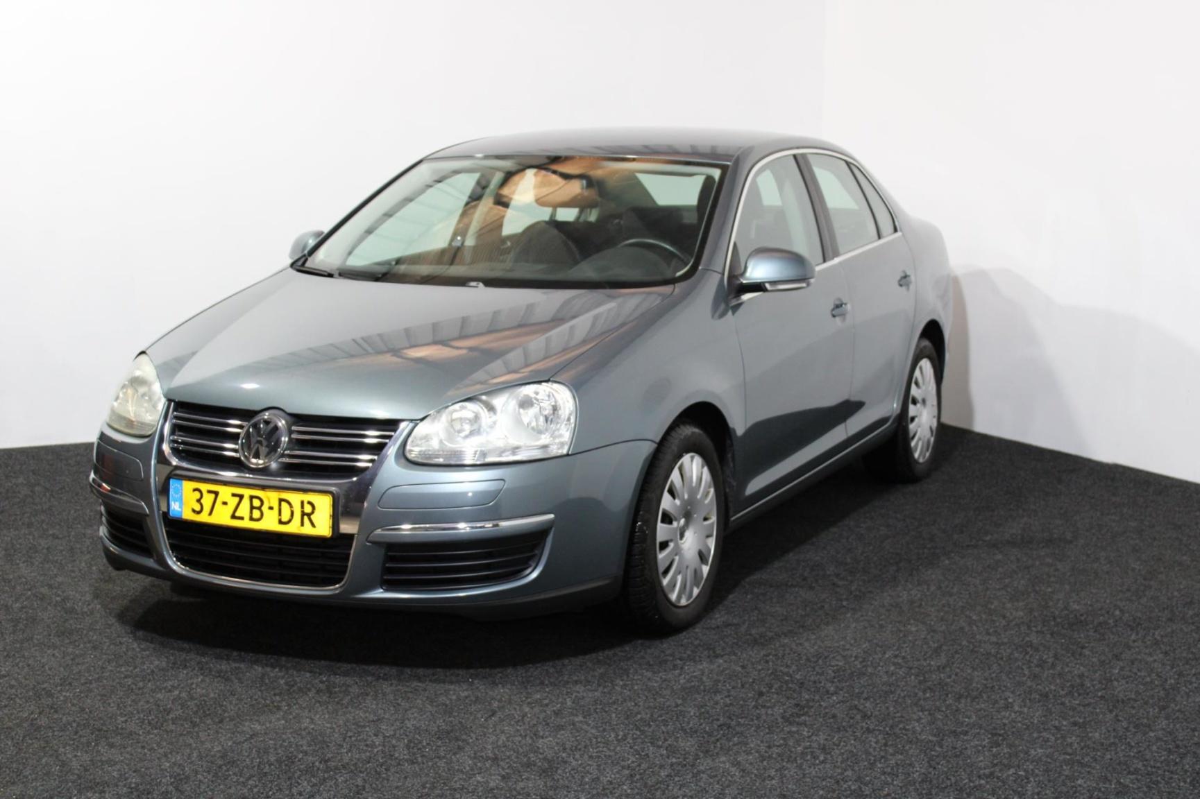 Volkswagen-Jetta-5