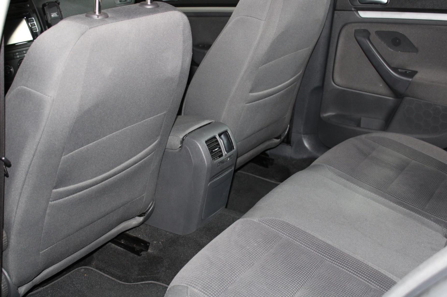Volkswagen-Jetta-9