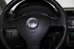 Volkswagen-Touran-17