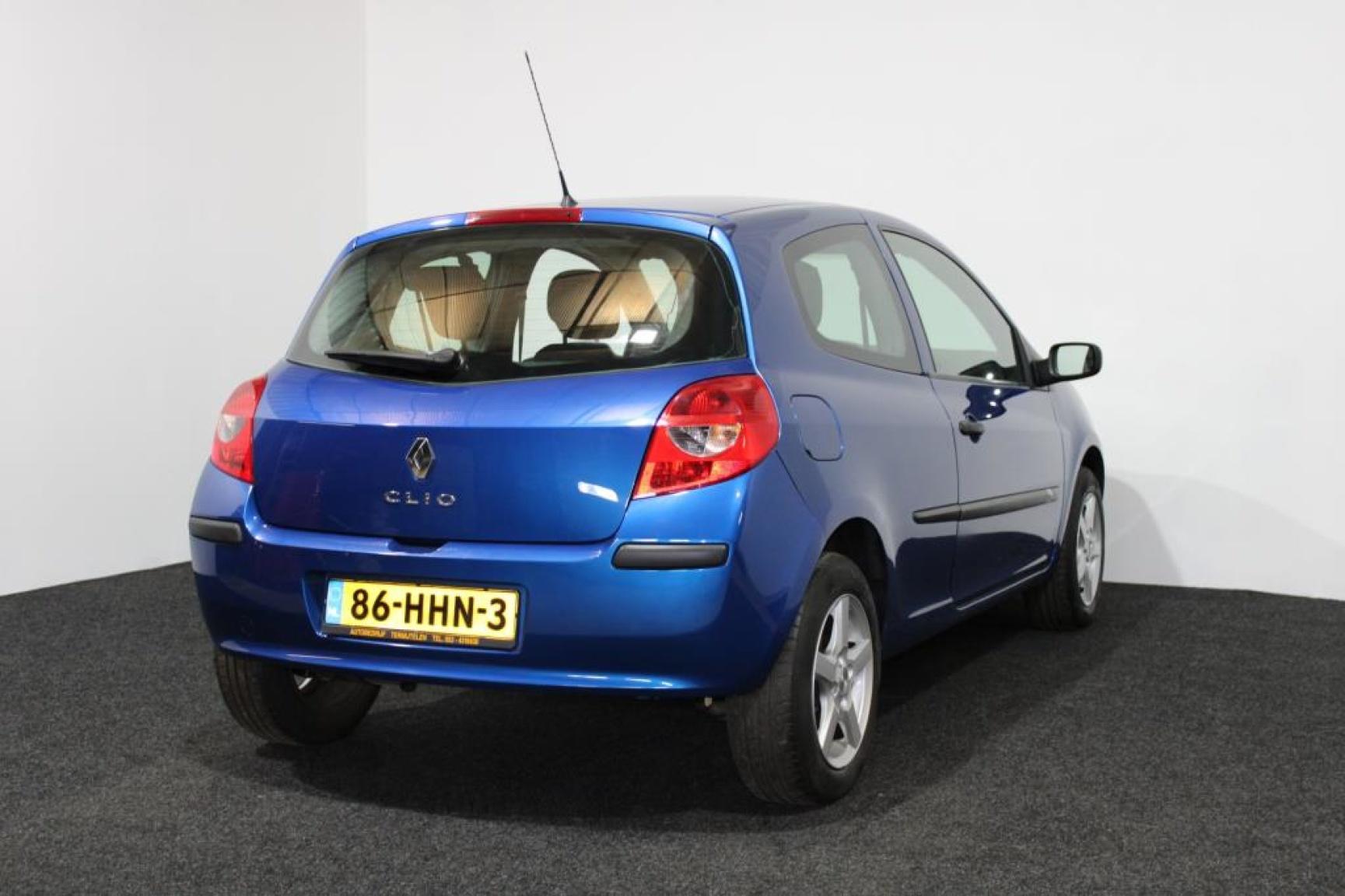 Renault-Clio-12