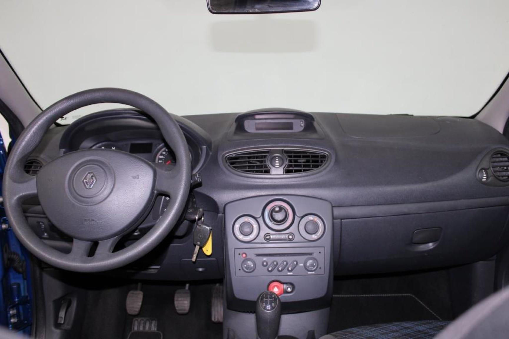 Renault-Clio-9
