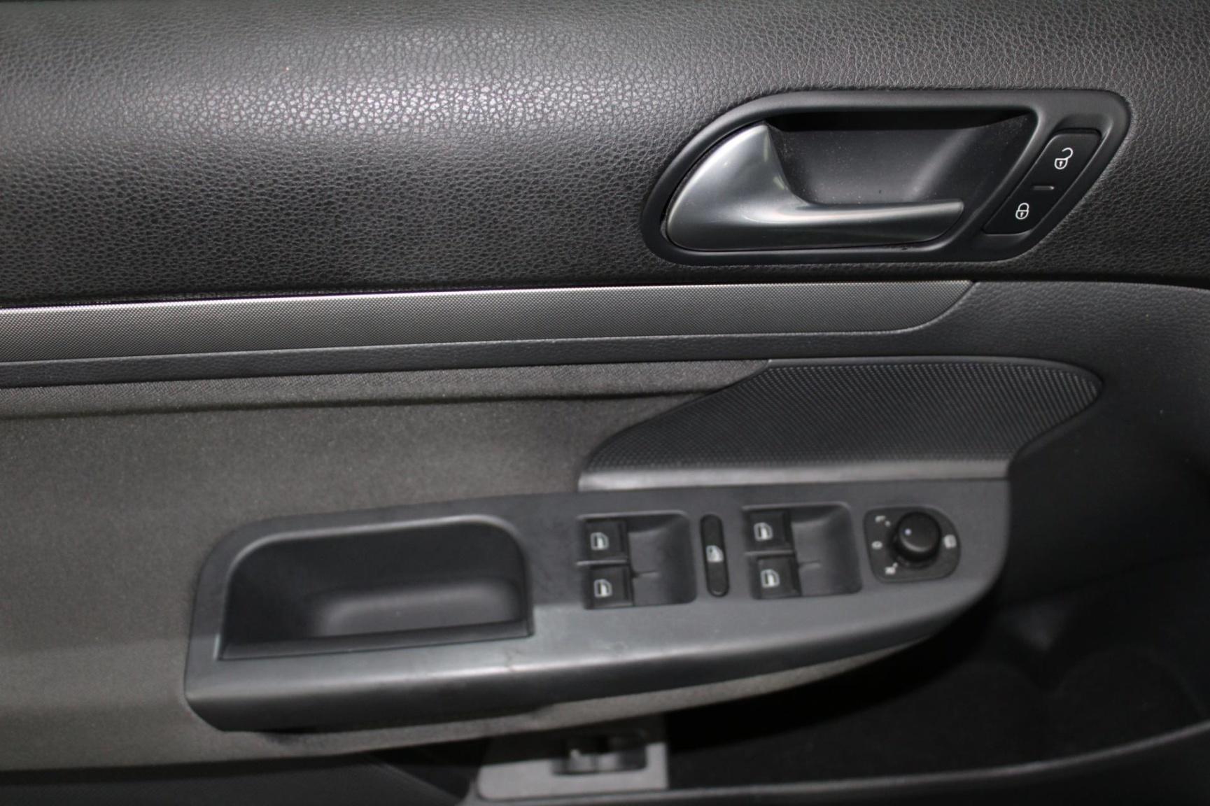 Volkswagen-Jetta-8